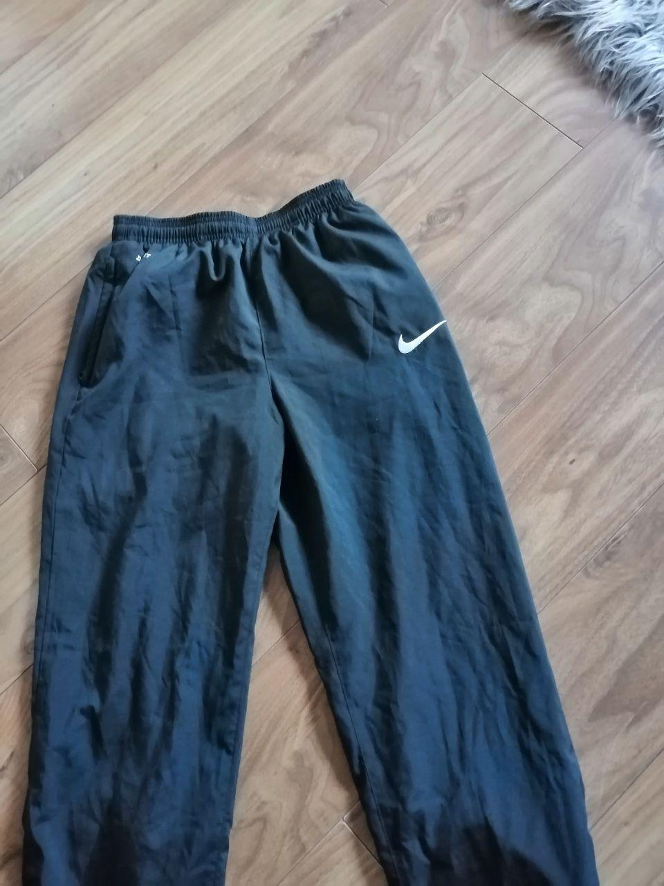 Oddam spodnie sportowe