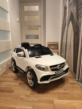 Auto dla dziecka na akumulator - Mercedes Benz AMG GLE 63S :)
