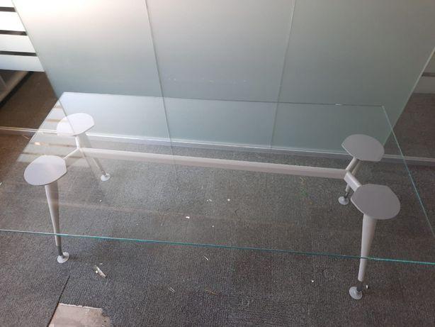 Mesa de vidro rectangular