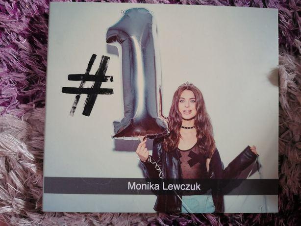 Monika Lewczuk - #1