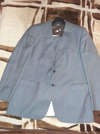 Продам итальянский мужской костюм 58 разм. 6 рост