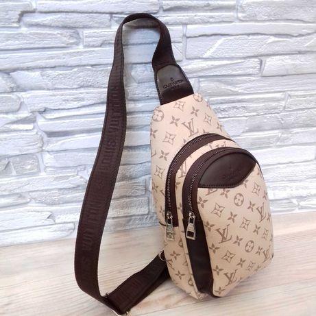 сумка нагрудная слинг в стиле Louis Vuitton(бананка)