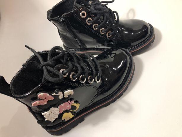 Дитяче взуття zara