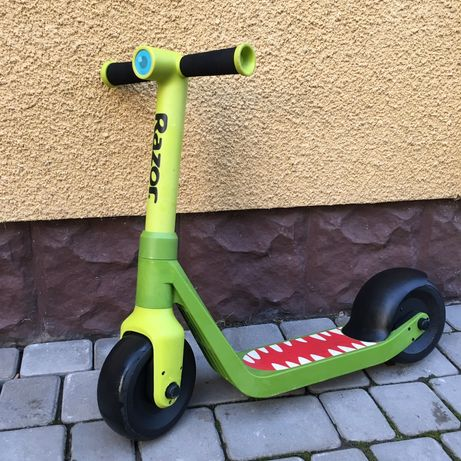 Самокат Razor Wild Ones Junior Kick Scooter Dinosaur