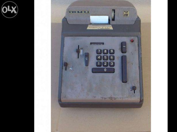 Máquina calculadora antiga victor
