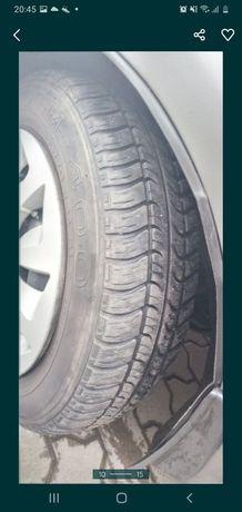Продам літні шини з дисками r14 165/60
