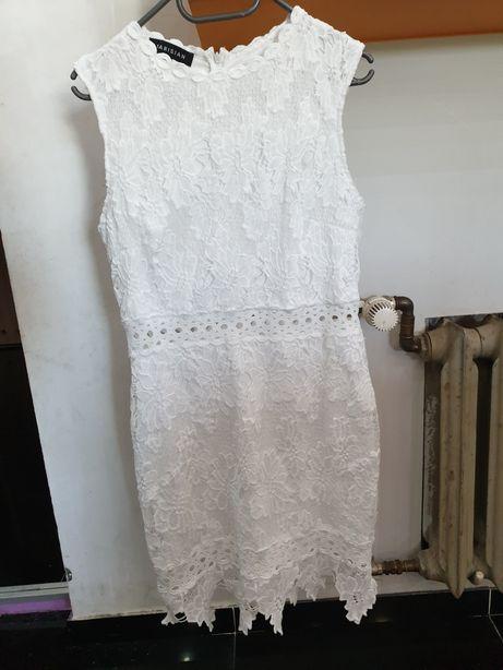 Biała sukienka koronka r.L po jednym wyjsciu