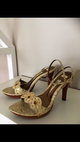 Złote buty/ szpilki na obcasie r.39