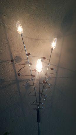 Lampa stojąca ze ściemniaczem.