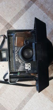 Máquina fotográfica Polaroid antiga
