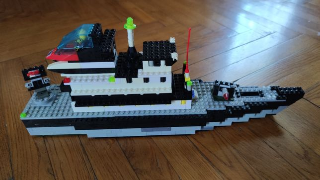 Воєнний корабель lego (BRICK) (0280) ЗІБРАНИЙ З МІШАНИХ ДЕТАЛЕЙ