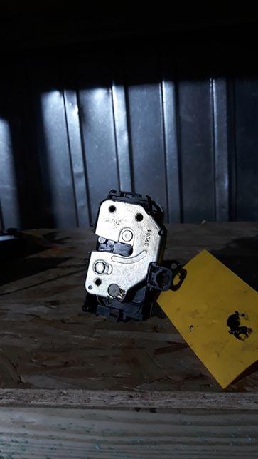 Nr.264 Zamek drzwi prawych Fiat/lancia panda kombi
