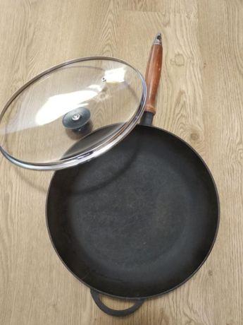 Сковородка чугунная с крышкой