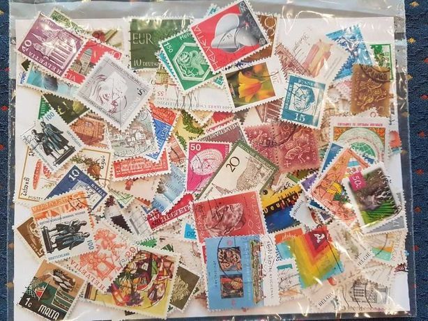 Lotes de 5000 selos de todo o mundo