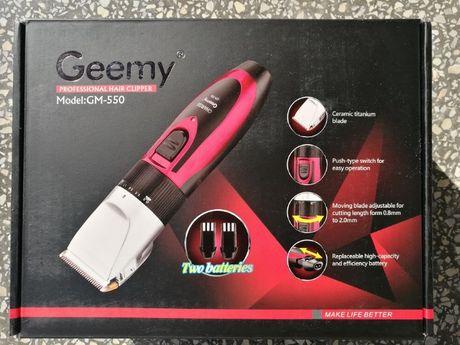 Машинка для стрижки волос бороды Geemy c 2 аккумуляторами