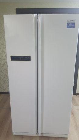 Холодильник двух-дверный