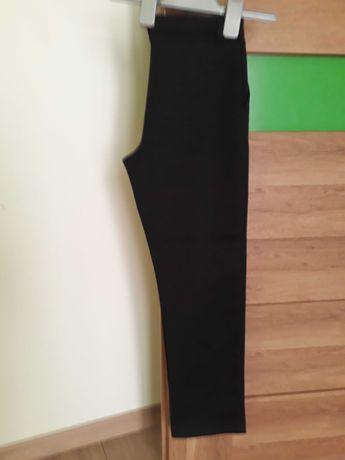 Spodnie szkolne czarne 8-9 lat.