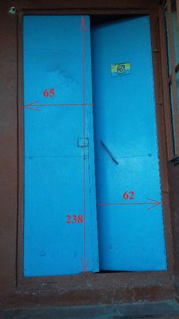 Двери подьездные металлические двухстворчатые б/у, торг