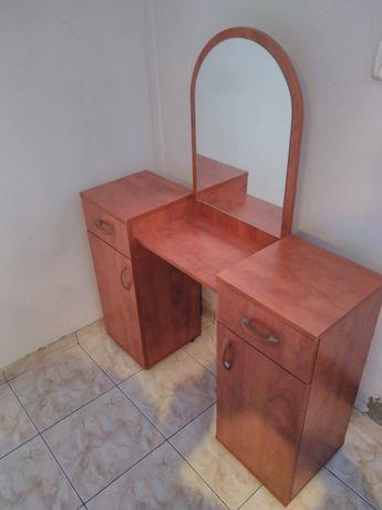 Toaletka z lustrem drewniana