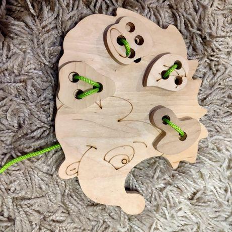Деревяная игрушка шнуровка Ёжик