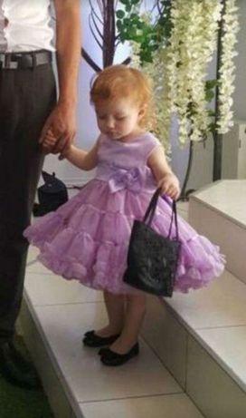 Нарядное фиолетовое пышное платье