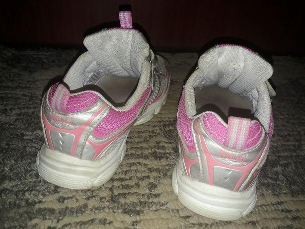 Кроссовки для девочки 20-21 см