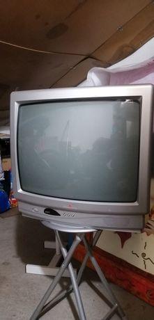 Tv  com  comando