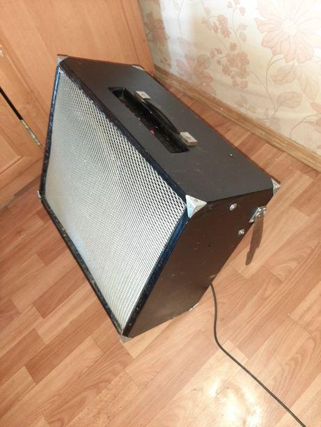 Гитарный ламповый комбик мощностью 40 ватт