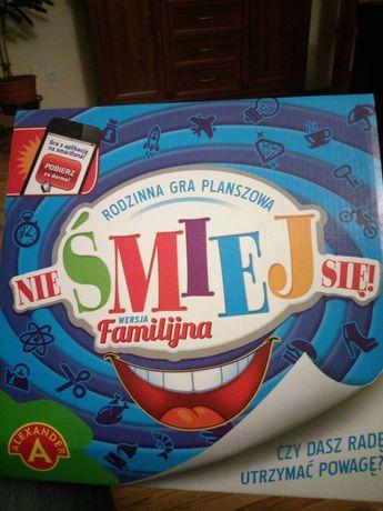 Nie śmiej się gra familijna
