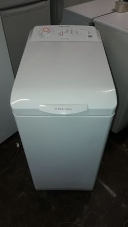 Стиральная машина Electrolux 5,5кг вертикальной загрузки.