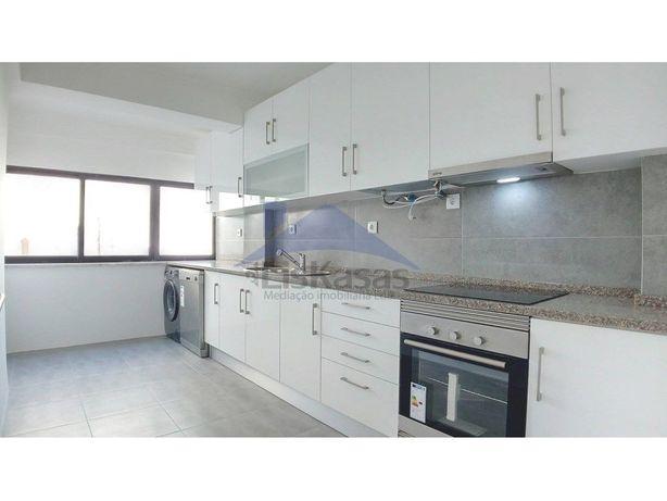 Apartamento T2 com 93m2 na Póvoa de Santo Adrião, em Odiv...