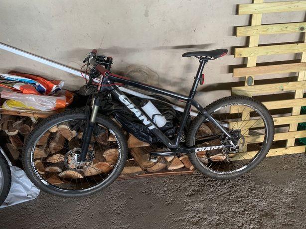 Bicicleta BTT Giant Carbono 26