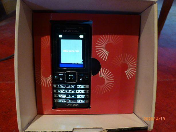 Sony Ericson K770i z pudełkiem.