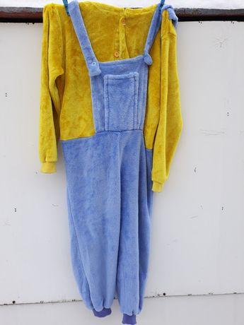 Strój karnawałowy lub pidżama Minionek 122