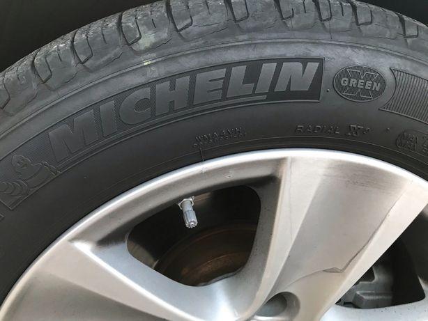 Michelin 225/55 r17 шини резина