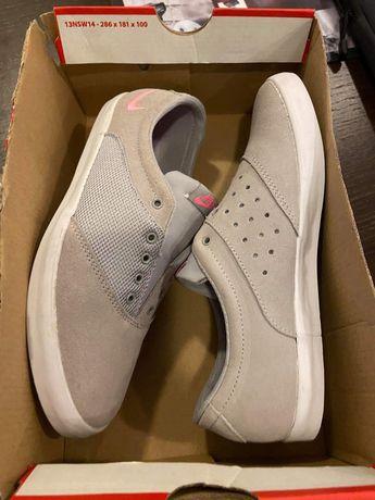 Vendo sapatilhas casuais Nike novas!