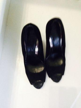 Туфли 39-40 размер,замша,черного цвета