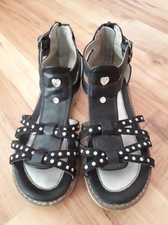 Sandałki rozmiar 33