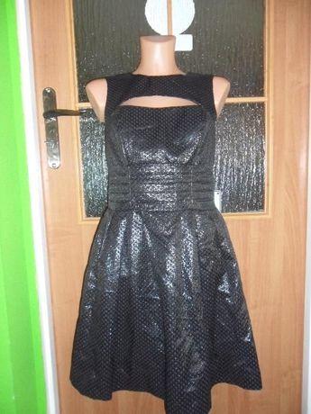 Śliczna czarna sukienka