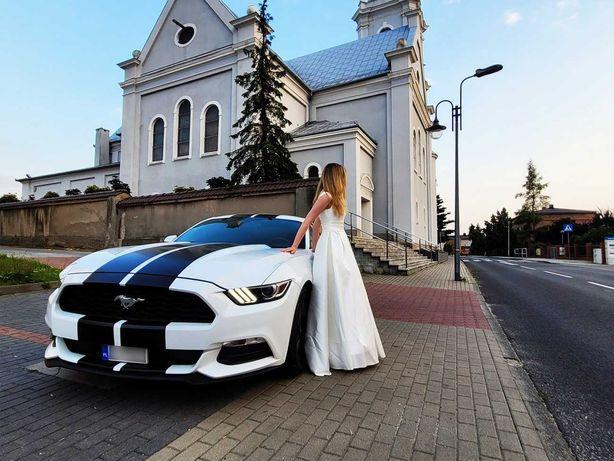 Auto, samochód do ślubu. Ford Mustang