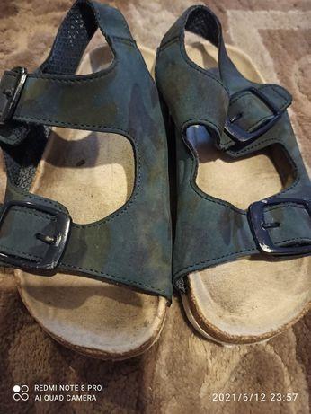 Sandały chłopięce rozmiar 28 F&F