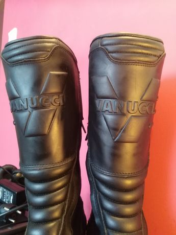 Sprzedam prawie nowe buty motocyklowe Włoskiej marki Vanucci rozm. 49
