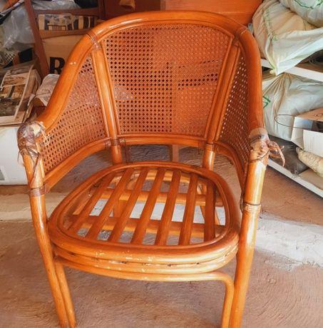 Cadeira em bambú