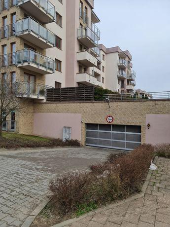 Miejsce parkingowe w garażu podziemnym  ul. Leśna 16 wynajmę