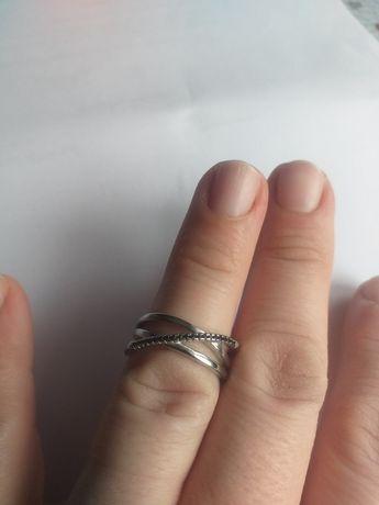 Obrączka srebrna z czarnymi cyrkoniami