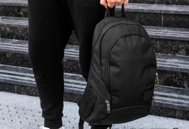 Мужской вместительный рюкзак городской черный спортивный 19