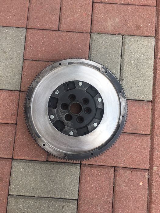Sprzęgło dwumasa VW passat b6 koło dwumasowe Zalasowa - image 1