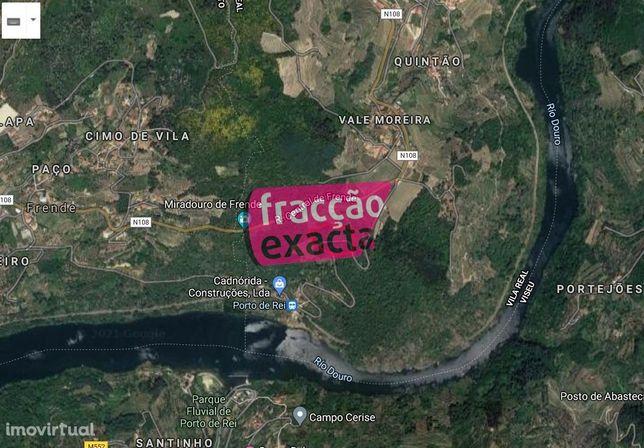 Moradia 4 frentes com vistas para o Douro