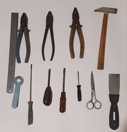 Инструменты СССР набор: плоскогубцы, отвертки, шило и другие