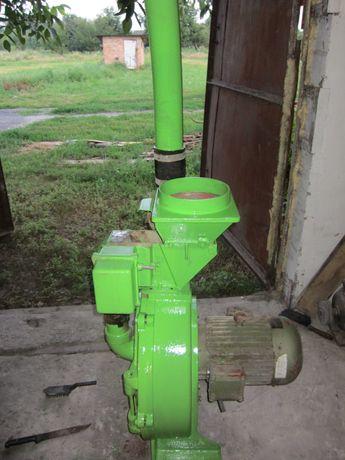 Продам зернодробилку мельницу немецкую